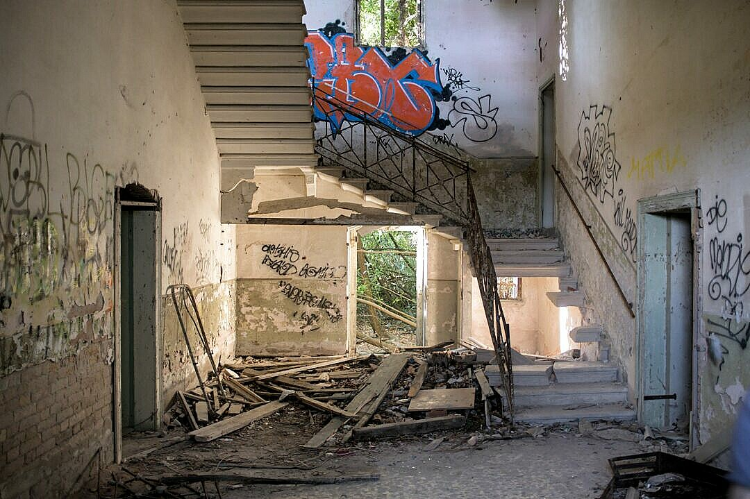 Poveglia - the remains on the main entrance hall